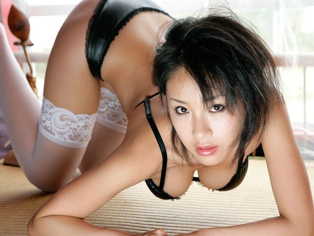 фото женщин азиаток за 40