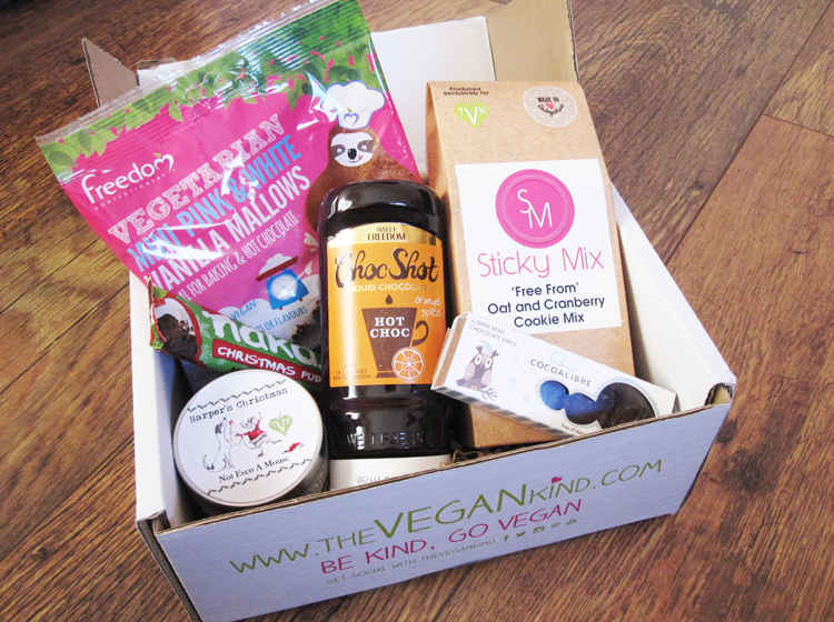 The Vegan Kind Lifestyle Box - December 2015 / #TVK26