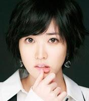 model rambut pendek ikal wanita korea
