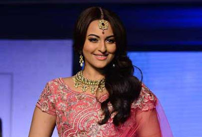Sonakshi Sinha, BMW India Fashion Week, sonakshi at BMW India Fashion Week, Akira movie