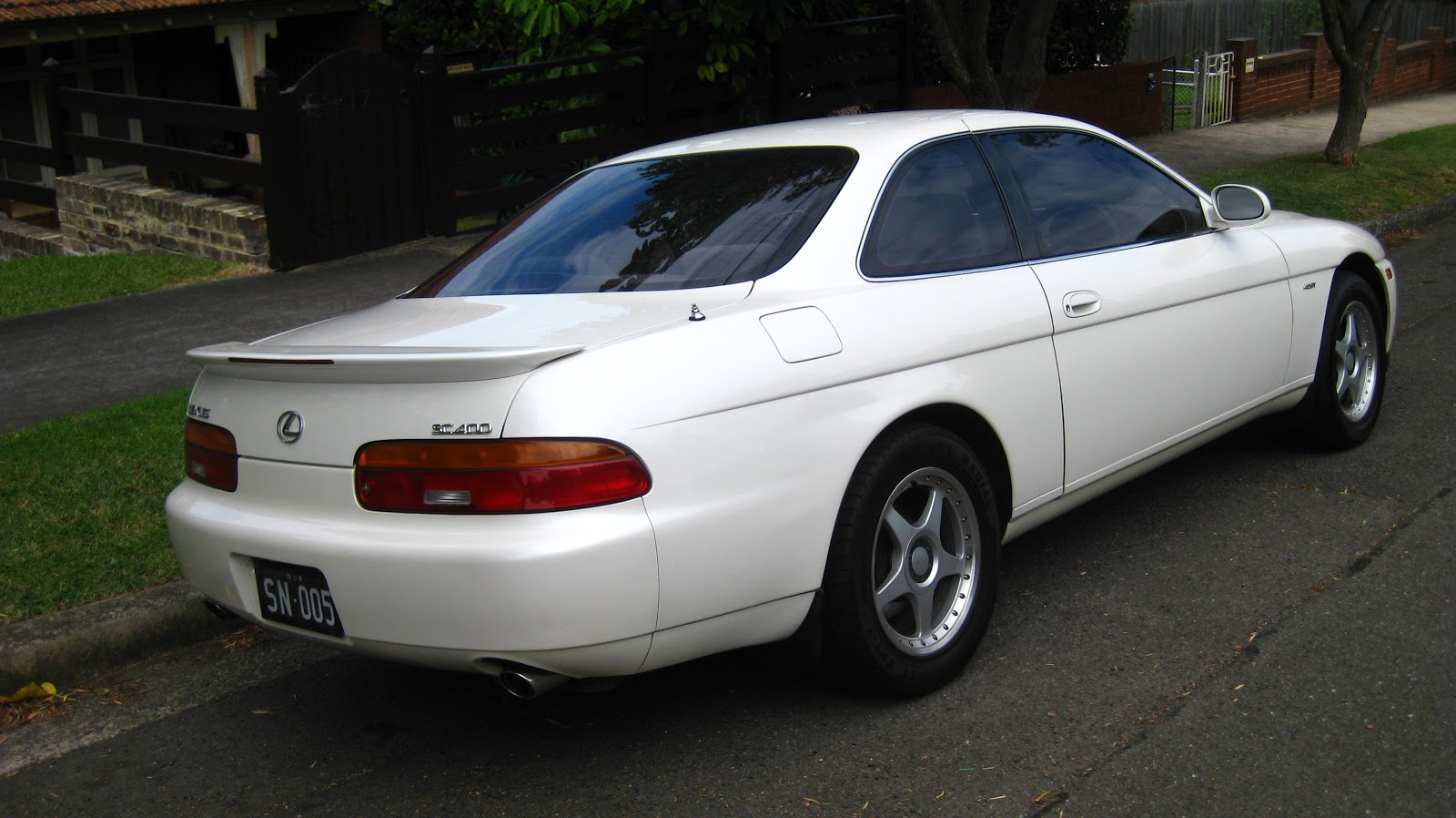 aussie old parked cars 1994 lexus sc 400. Black Bedroom Furniture Sets. Home Design Ideas