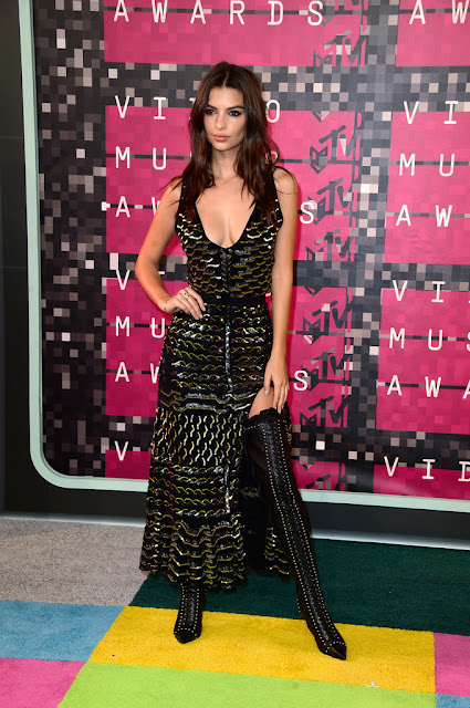 Actress, Fashion Model @ Emily Ratajkowski - 2015 MTV Video Music Awards in Los Angeles