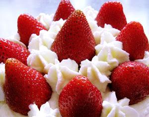 fresas con nata ó nata con fresas?