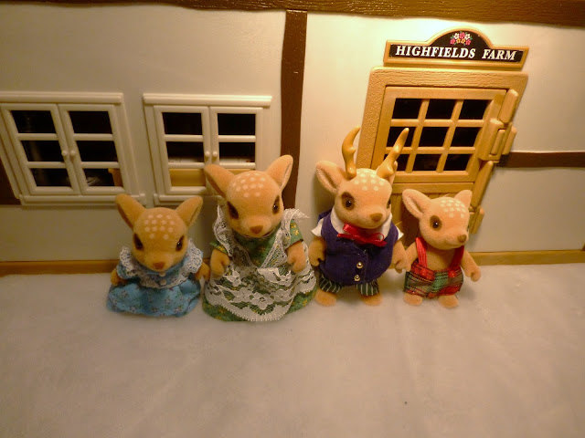 Sylvanian Families Moss Reindeer Family Christmas Snow Highfields Farm