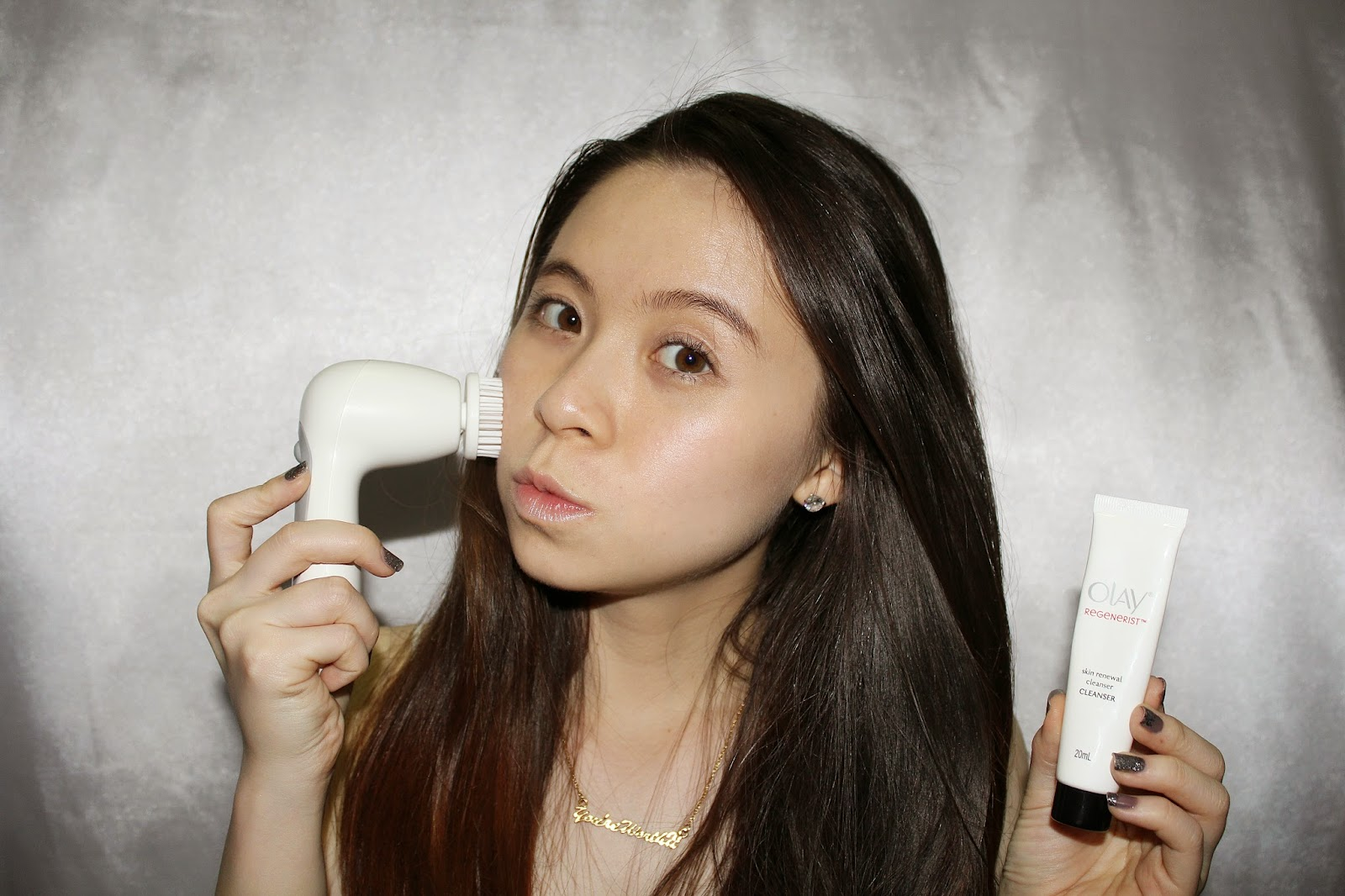 girl with cleansing brush