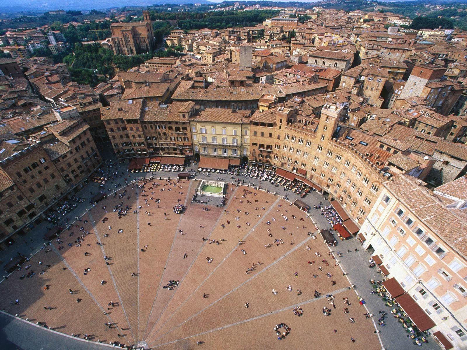 Plaza del Campo Siena. Las plazas mas bonitas de Europa