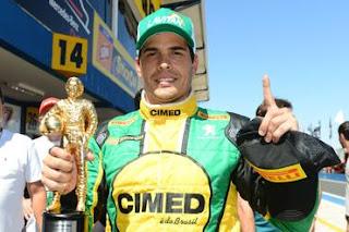 Marcos Gomes faz a pole e leva o Troféu Ayrton Senna