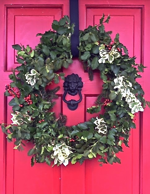 red door, DIY natural wreath, outside decorations, Christmas patio, porch