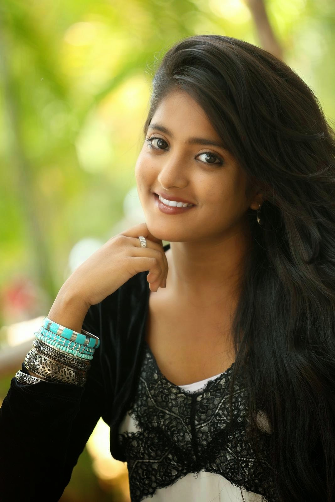 picture Ulka Gupta