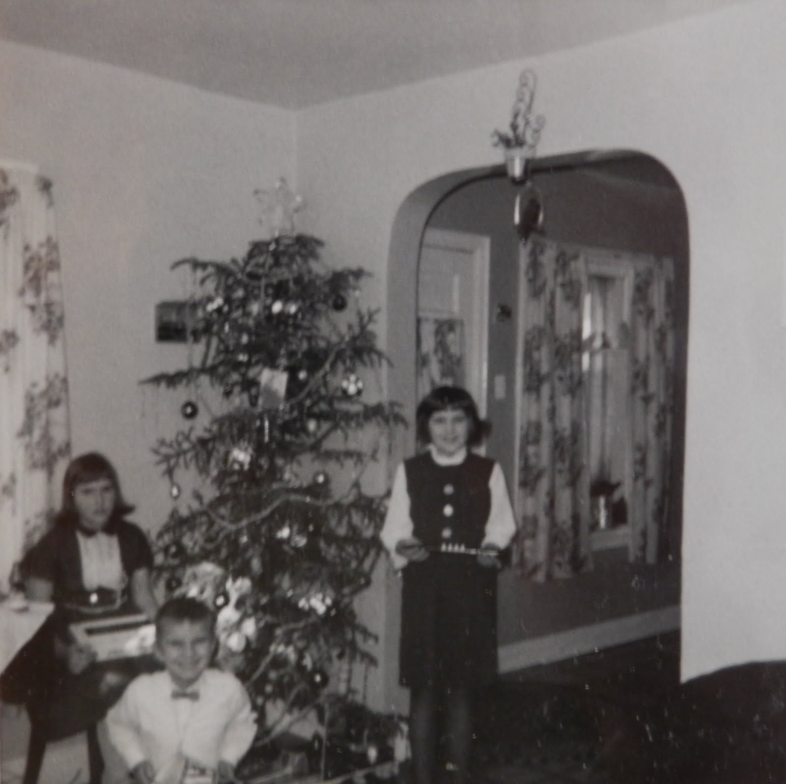Christmas 1968, Bonnie 12, Johnny 8, Anita 11,Thunder Bay, ON