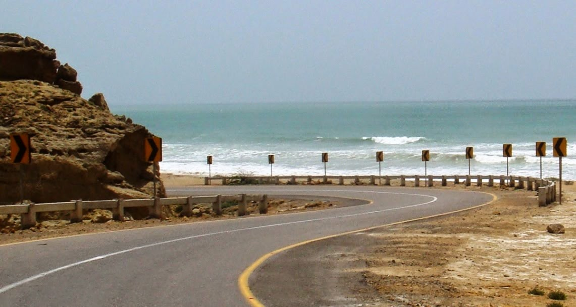 Makran-Coastal-Highway-Sea-View