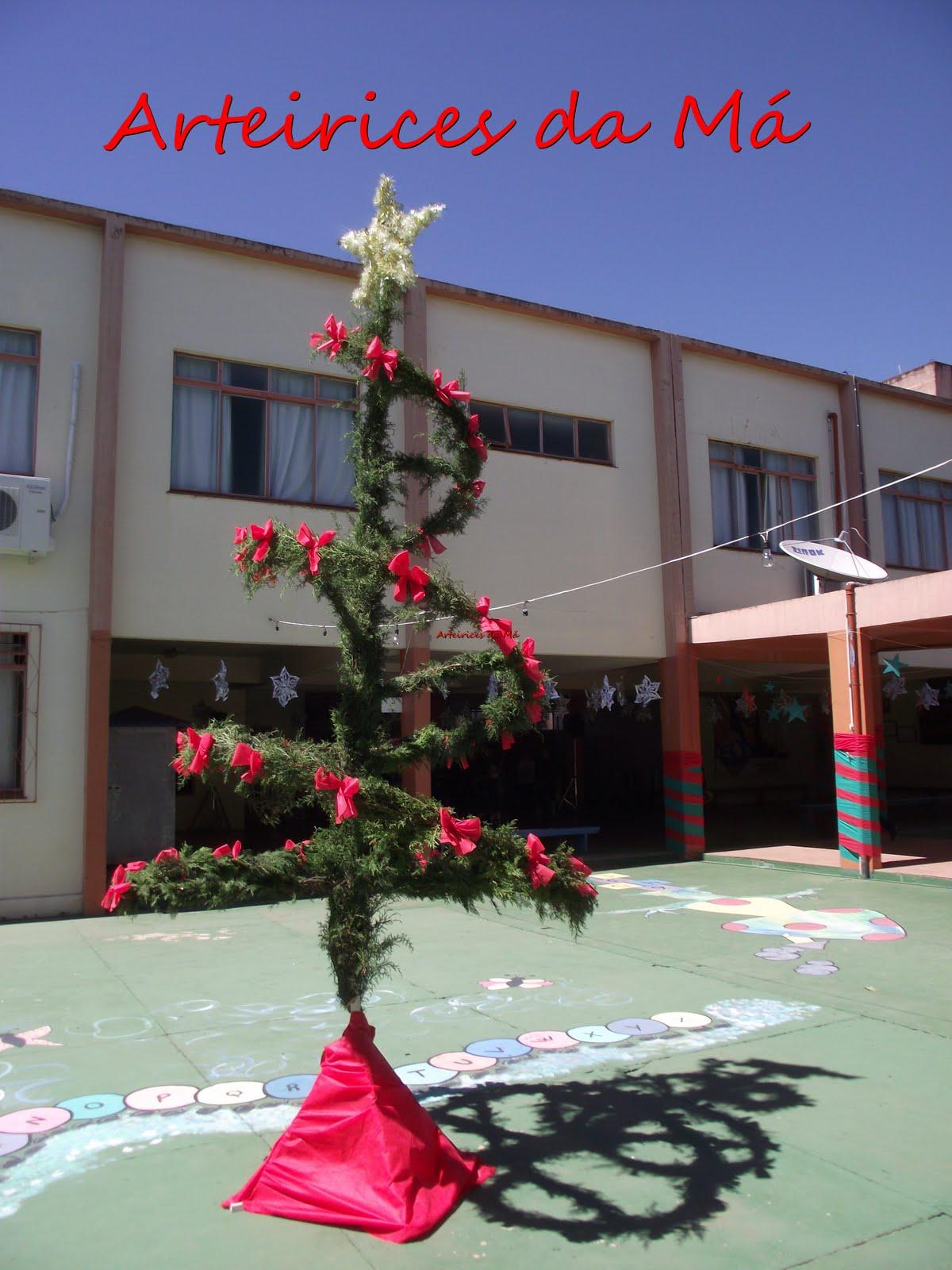 Arteirices da Má Decoraç u00e3o de Natal para o Encerramento do Ano, lá na Escola Vem ver como  -> Decoração De Natal Simples Escola