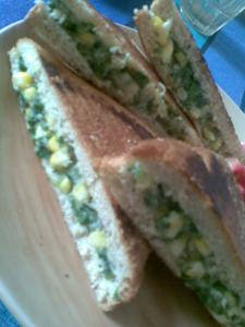 sweet corn n spinach in a grilled sandwitch