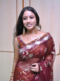 KAVUSIKA-hot-in-Saree-South Actress-5