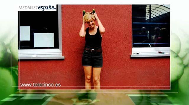 Tania Llasera con cuernos