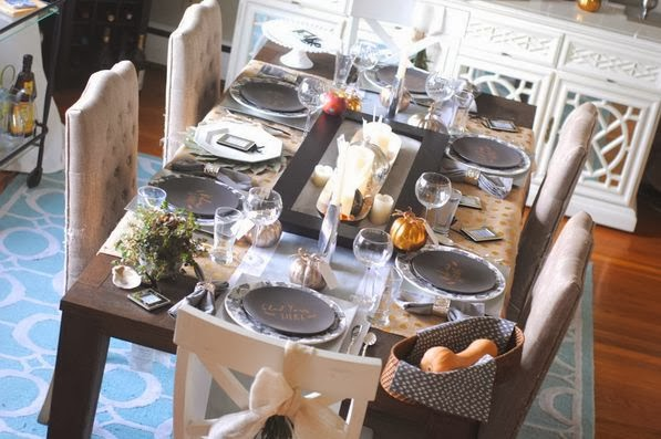 Modern Mixed Metallic Thanksgiving Tablescape