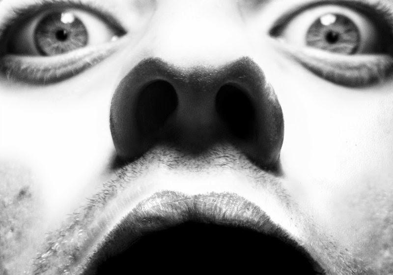 08-Presenza-DiegoKoi-Hyper-Realistic Emotions in a Drawings-www-designstack-co