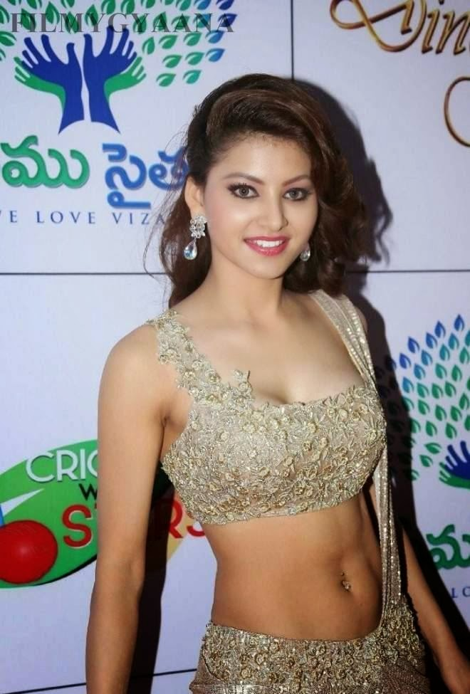 urvashi rautela hot zero size navel photos