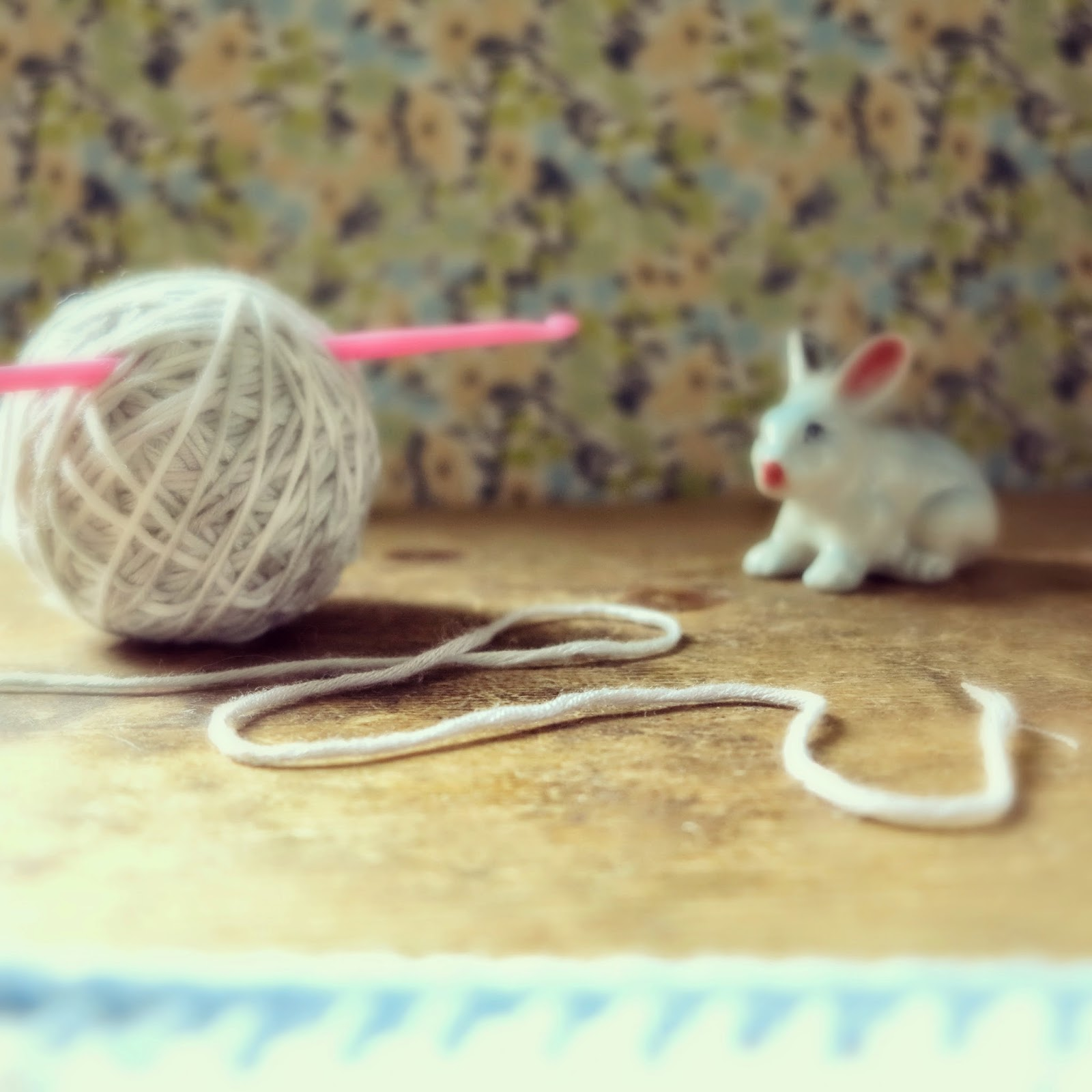 ByHaafner, white & pastels, bamboo yarn, bunny...