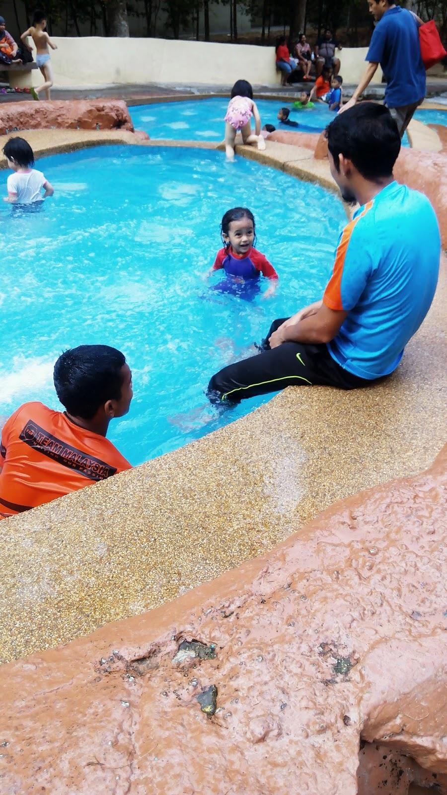 KOlam air, taman belia, pulau pinang, kids, swimming,