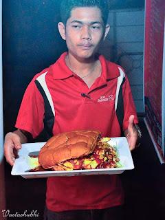 Burger Paling Besar Di Pulau Pinang - Burger Boy, Penanti