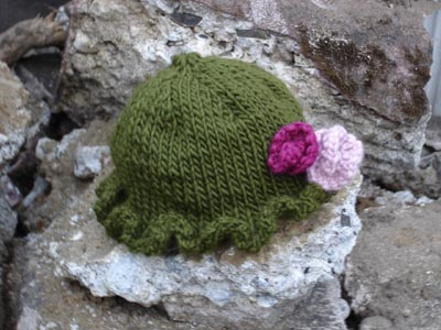 Free Baby Projects: Knitted Girls Baby Hat