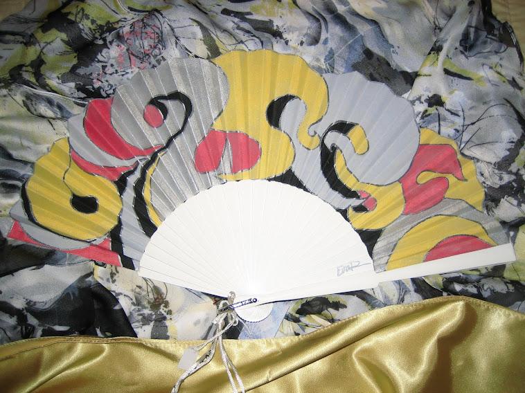 abanico de peral, a juego con vestido