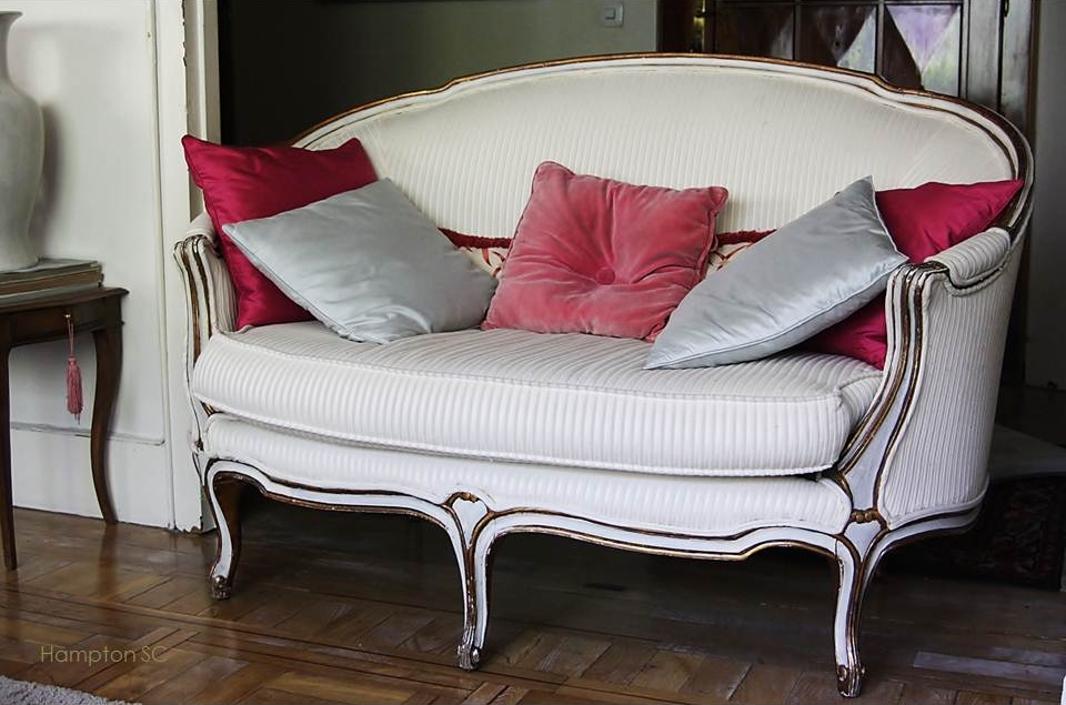 Nueva vida para un antiguo sof franc s hampton sc for Sofa estilo frances
