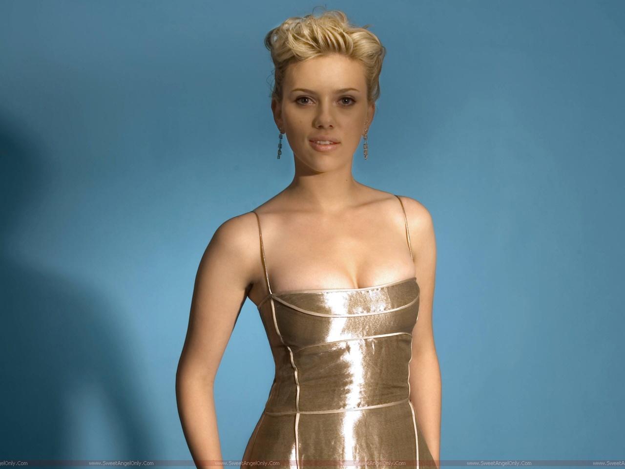http://4.bp.blogspot.com/-imrLMhPwXVU/TwbzEloX-9I/AAAAAAAABQs/pn9KJd6NbZM/s1600/Scarlett+Johansson+Beautiful+wallpaper+8.jpg