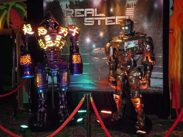 Real Steel animatronic robots El Capitan display