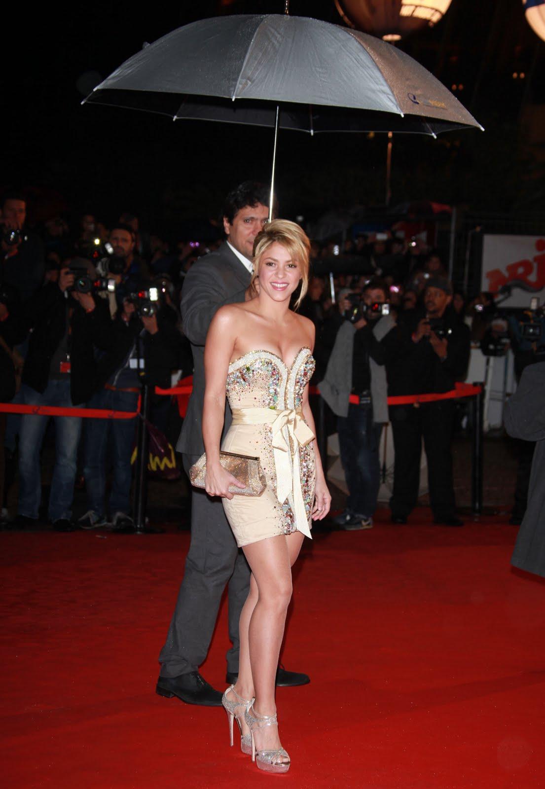 http://4.bp.blogspot.com/-imzx8Orv_go/TyWVcdJXbPI/AAAAAAAAESM/sSAjBS91O9o/s1600/Shakira%2B-%2BNRJ%2BMusic%2Bawards%2Bceremony%2B4.jpg