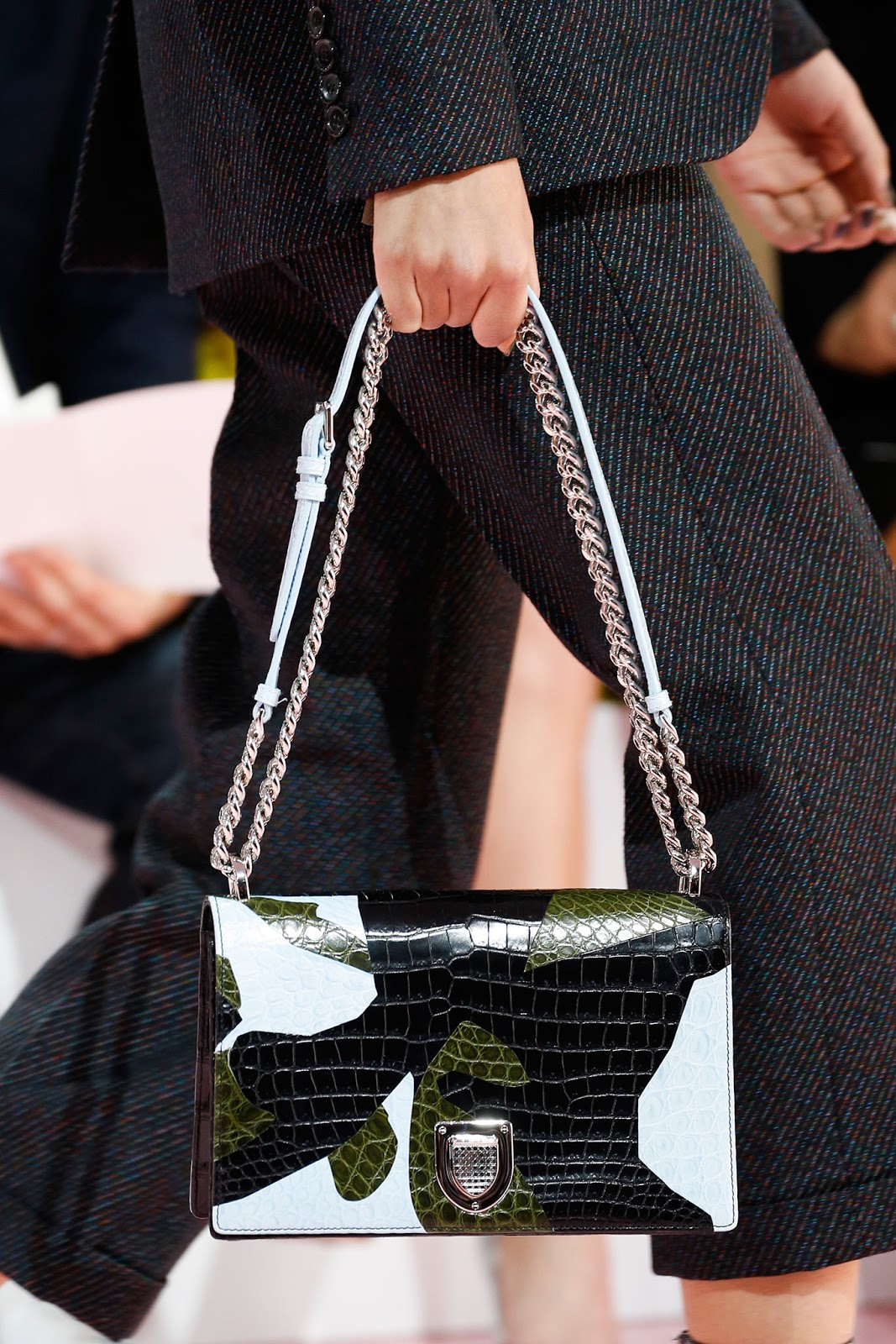 Fall 2015 accessories trend report / best bags / investment bags / crocodile accessories trend at Christian Dior Fall/Winter 2015 via fashionedbylove.co.uk, british fashion blog