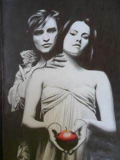 Edward Cullen e Bella Swan com uma maça (desenho do Crepúsculo)
