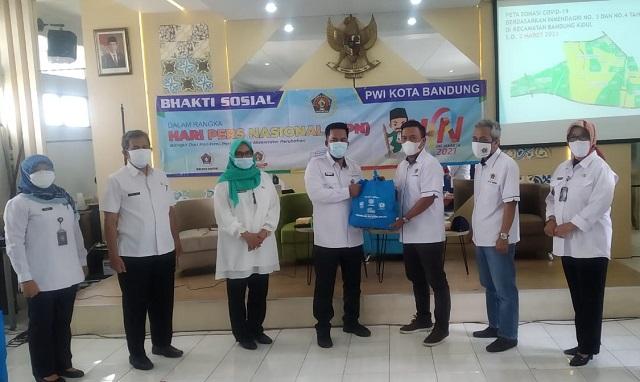 Rangkaian HPN, PWI Kota Bandung Bagikan Sembako