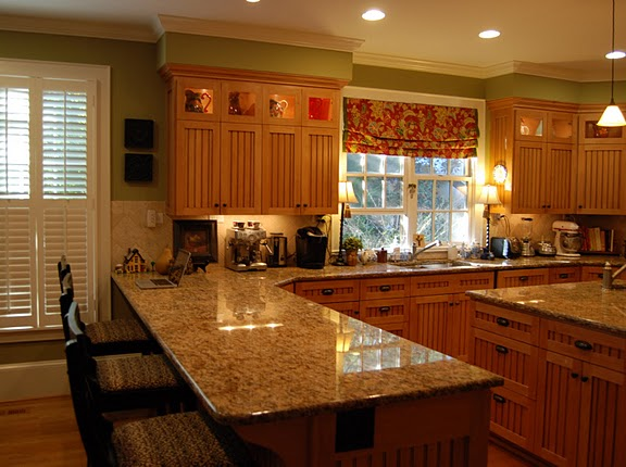 What Color Kitchen Cabinet Color Works Best With Oak Trim