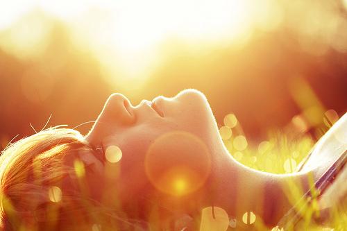 podria esperar a que las nubes se paren y el sol se apague pero nunca podrán quitarte de mi cabeza.