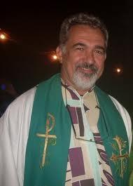 Padre Malan protesta contra festa em Araripina na Semana Santa