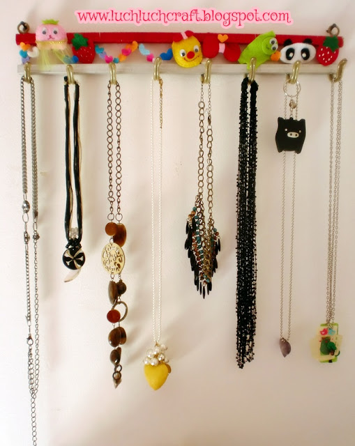 how to hang your necklace tutorial