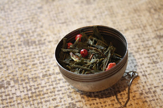 http://www.dmg-herbaty.pl/sklep/herbata-zielona-aromatyzowana-sencha-pikantny-romans?search=romans