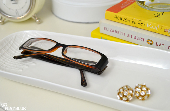 Tray with glasses