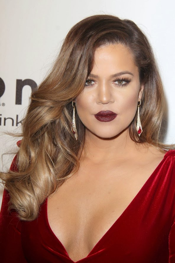 Khloe Kardashian wearing hollywood waves at the oscars 2014