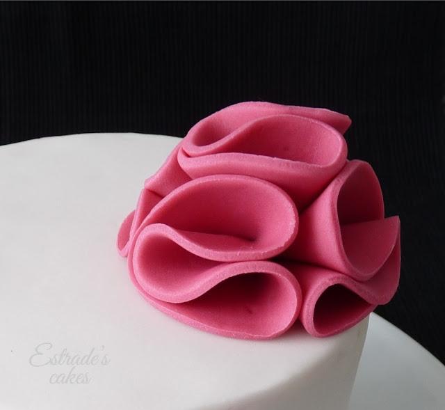 tarta con fondant sencilla y elegante - 04