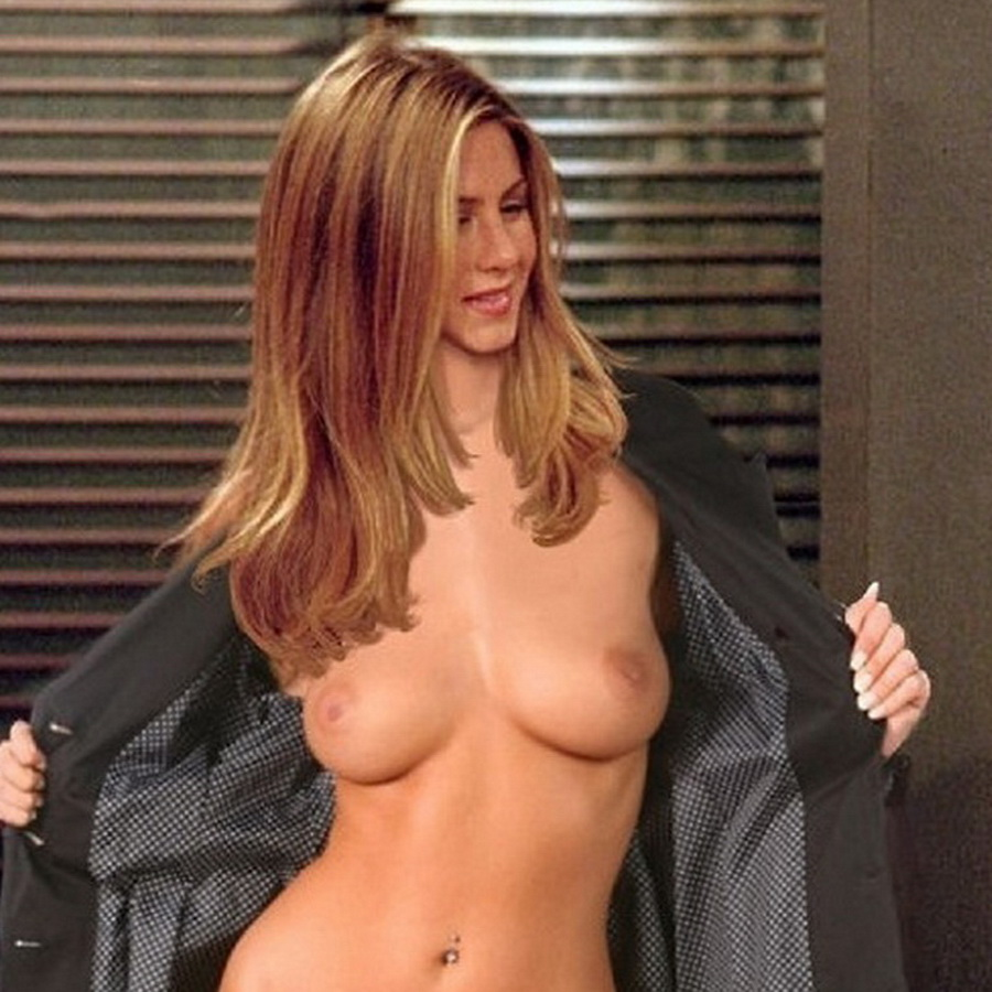 jennifer aniston found naked
