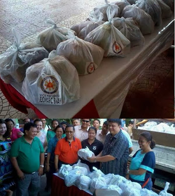 Binay name on relief goods plastic bags