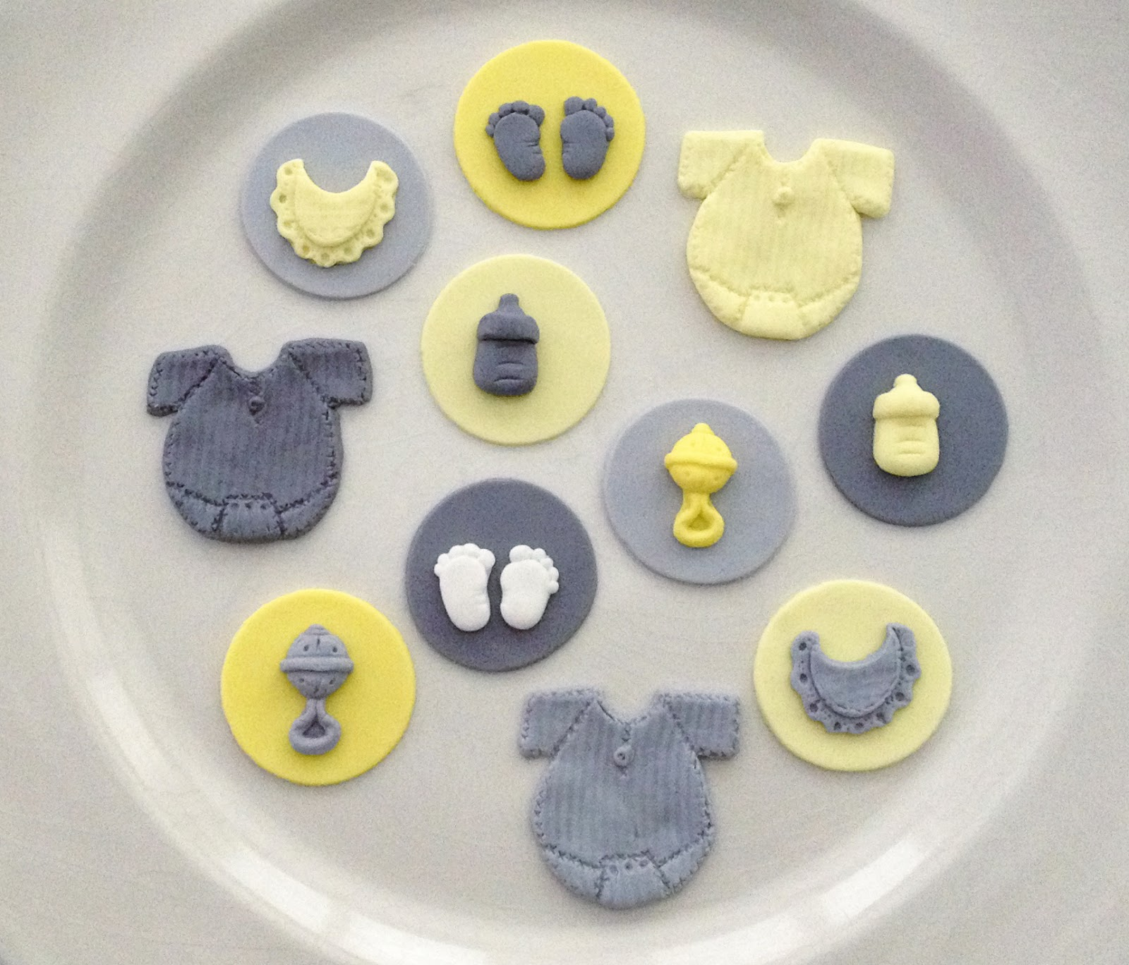 Emily s Delights: Gender Neutral Baby Shower Cupcakes ...