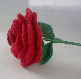 http://translate.google.es/translate?hl=es&sl=en&tl=es&u=http%3A%2F%2Fjeicrochet.blogspot.com.es%2F2013%2F04%2Fmothers-day-crochet-rose.html