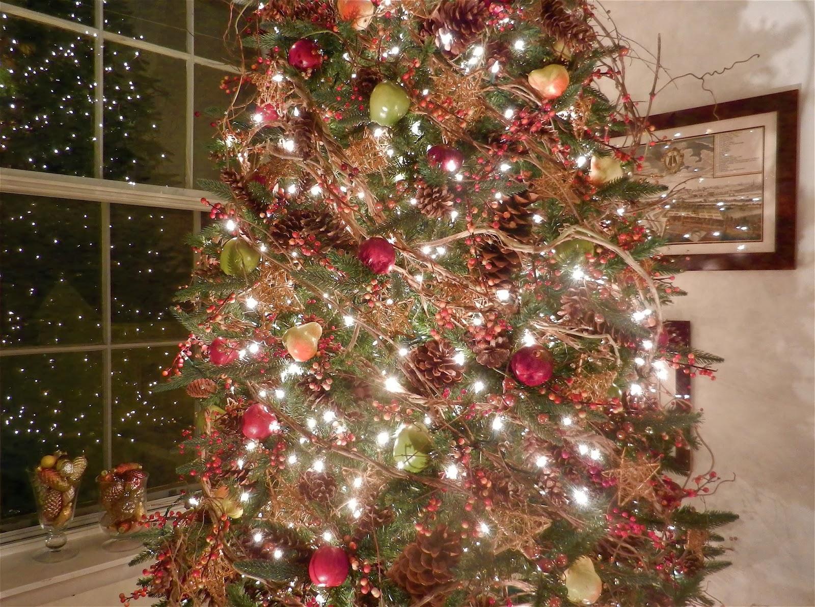 Knickerbocker Style & Design: An Elegant Nature-Inspired Christmas ...