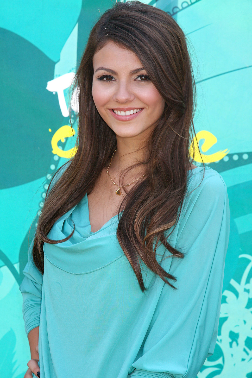 Victoria Justice Profile And New Hot Photos 2013