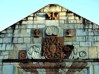Detalhe do pórtico da redução de San Cosme y Damián.