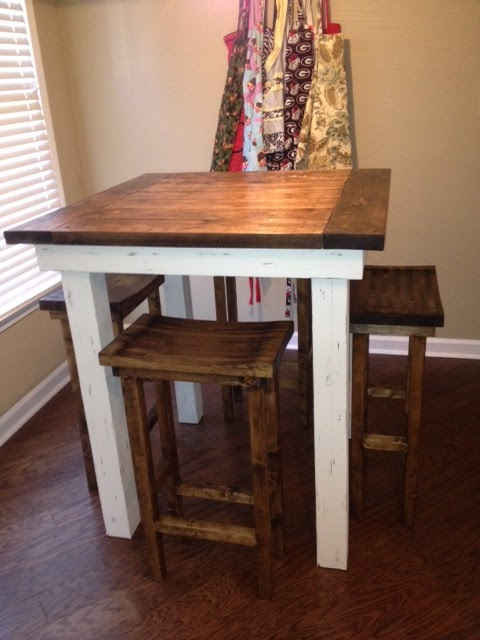 and without further ado here it isso you can all admire his handiwork with me - Kitchen Table With Bar Stools